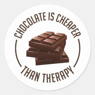 Schokolade ist billiger als Therapie Runder Aufkleber
