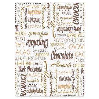 Schokolade, Mandeln und dunkle Seidenpapier