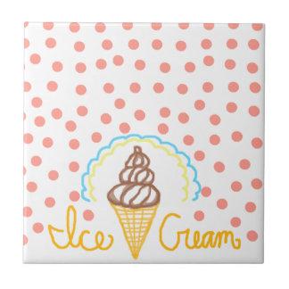 Schokoladen-Eiscreme-Tupfen-Traum Kleine Quadratische Fliese