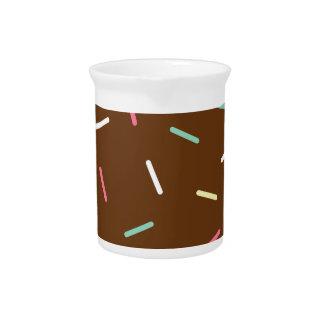 Schokoladen-Krapfen Getränke Pitcher