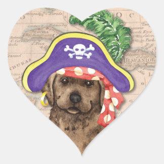 Schokoladen-Labrador-Pirat Herz-Aufkleber