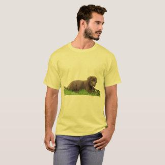 Schokoladen-Labrador-Welpe mit Haltung T-Shirt