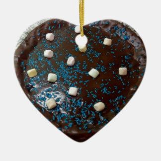 Schokoladenkuchen Keramik Herz-Ornament