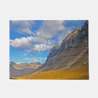 Schöne Alaska-Berge Türmatte