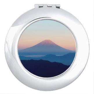 Schöne Ansicht der Fujisan, Japan, Sonnenaufgang Taschenspiegel
