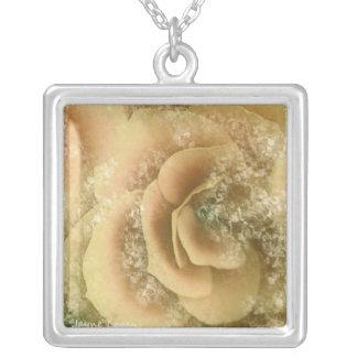 Schöne Begonie, gelber mit Blumenpfirsich, Halsket Halskette