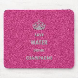 Schöne coole girly retten Wassergetränk-Champagner Mousepads