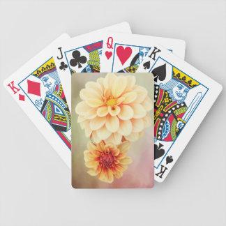 Schöne Dahlie-Blüten in den warmen Farben Bicycle Spielkarten