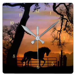 Schöne Fantasie-Pferdeuhr Quadratische Wanduhr