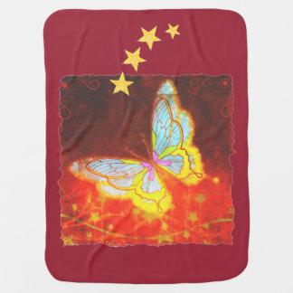 Schöne Fantasie-Schmetterlings-Feuerwerks-Collage Kinderwagendecke