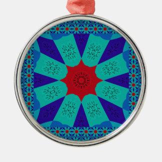 Schöne fantastische ägyptische weibliche rundes silberfarbenes ornament