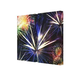 Schöne Feuerwerke wickelten Leinwand ein