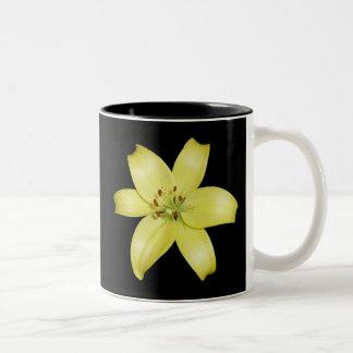 Schöne gelbe Lilie Zweifarbige Tasse