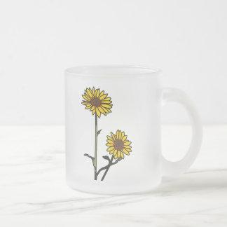 Schöne goldene Buntglas-Sonnenblumen Mattglastasse
