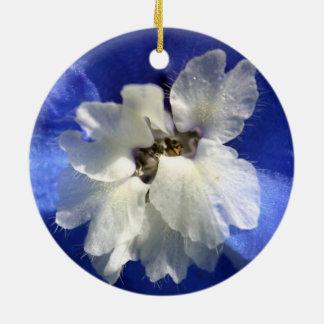 Schöne helle blaue Blume Keramik Ornament