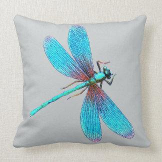 Schöne helle blaue Türkis-Libelle Zierkissen