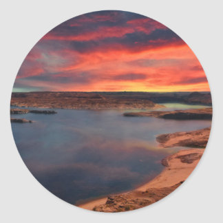 Schöne Naturlandschaft See-Powells Runder Aufkleber