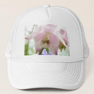 Schöne rosa Blumenblätter - Aquilegia Truckerkappe