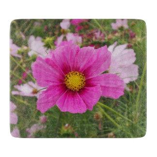 Schöne rosa Kosmos-Blume Schneidebrett