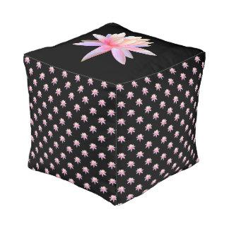 Schöne rosa Lilien-Lotos-Kunst-cooles Trendy Kubus Sitzpuff