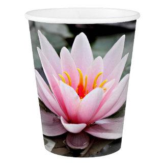 Schöne rosa Lotos-Blumen-Wasserliliezen-Kunst Pappbecher