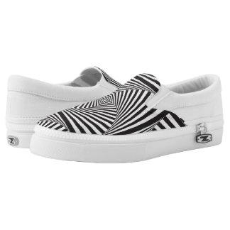 Schöne Schwarz-weiße gewundene optische Illusion Slip-On Sneaker