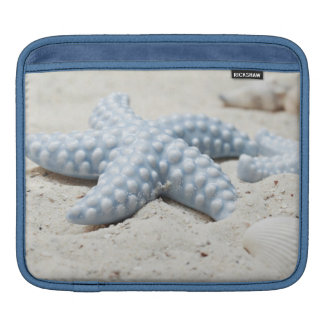 Schöne Sommerstrand-Seestern-Muschel und -sand Sleeve Für iPads