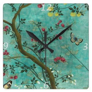 Schöne Vintage antike Blütenbaumschmetterlinge Quadratische Wanduhr