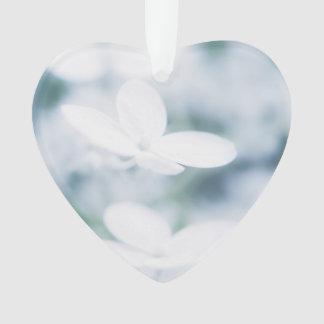 Schöne weiße Hydrangeablüten Ornament