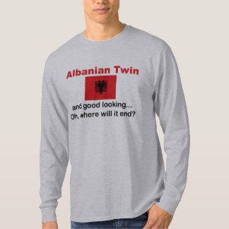 Schöner albanischer Zwilling T-Shirts