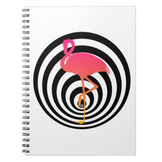 Schöner Flamingo in den Kreisen Notizblock