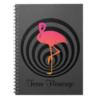 Schöner Flamingo in den Kreisen Spiral Notizblock