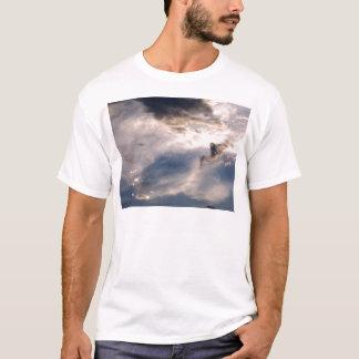 schöner Himmel und Wolke T-Shirt