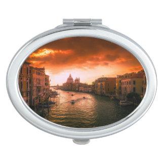 Schöner historischer Venedig-Kanal, Italien Taschenspiegel
