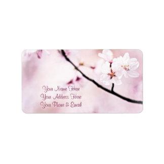 Schöner rosa Kirschblüten-weißer Sonnenschein-Baum Adressetikett