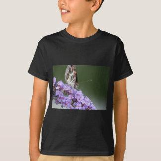 Schöner Schmetterling auf Schmetterlingsbusch T-Shirt