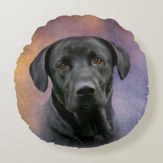 Schöner schwarzer Labrador Rundes Kissen