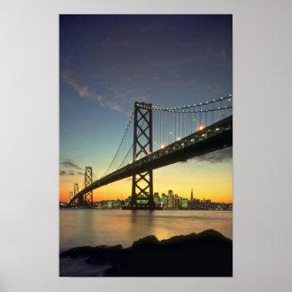 Schöner Sonnenuntergang: Bucht-Brücke, San Poster