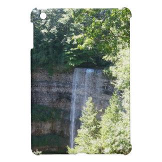 Schöner Wasserfall iPad Mini Hüllen