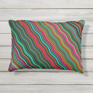 Schönes buntes gewelltes Streifen-Muster Kissen Für Draußen