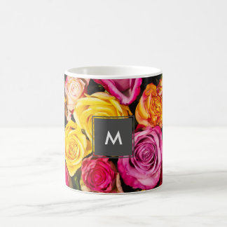 schönes elegantes stilvolles buntes Rosen-Foto Kaffeetasse