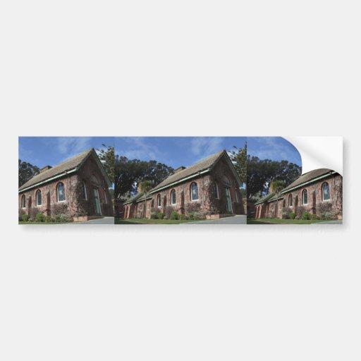 Schönes Gebäude mit bedeckter Wand von den Pflanze Auto Sticker
