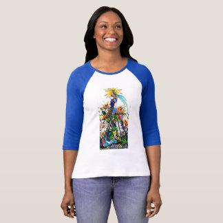 schönes Hemd mit Gestaltung mit der hand T-Shirt
