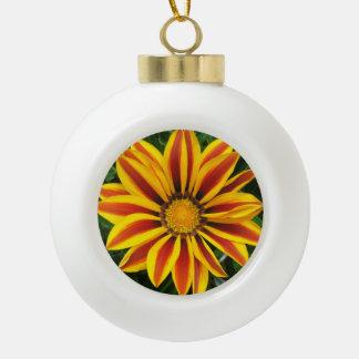 Schönes orange Sun-Blumen-Foto Keramik Kugel-Ornament