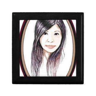 Schönes Porträt einer asiatischen Frau Schmuckschachtel