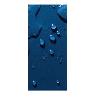 Schönes Wasser spritzt angesehen von oben Werbekarte