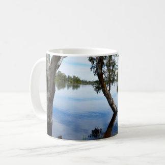 Schönheit der Gummi-Bäume, Kaffeetasse