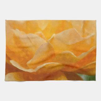 Schönheit einer Rose Painterly Handtuch