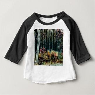 Schönheit im Holz Baby T-shirt