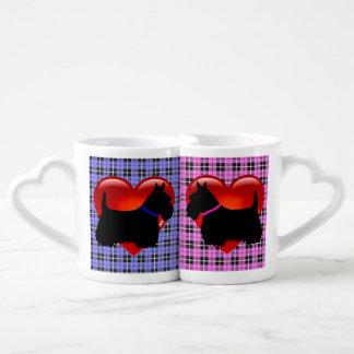 Schottischer Terrier, kariertes rosa/blaues, rotes Liebestassen